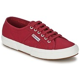Superga  2750 COTU CLASSIC  men's Shoes (Trainers) in Red