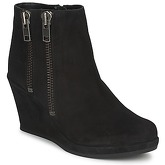Carvela  SPAIN  women's Low Ankle Boots in Black