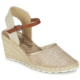 Refresh  MOHIL  women's Sandals in Gold