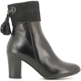 CallagHan  98611 Ankle boots Women Black  women's Low Ankle Boots in Black