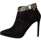 O6  TR0179  women's Low Ankle Boots in Black