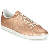 Le Coq Sportif  AGATE LO PEARLIZED  women's Shoes (Trainers) in Gold