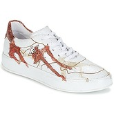 Felmini  CRASKY  women's Shoes (Trainers) in White
