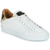 Roberto Cavalli  KALE  men's Shoes (Trainers) in White