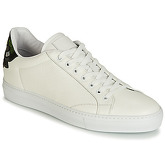 Roberto Cavalli  6609  men's Shoes (Trainers) in White