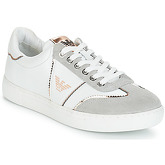 Emporio Armani  X3X083-XL842  women's Shoes (Trainers) in White