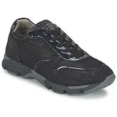 Bullboxer  IJINOTE  men's Shoes (Trainers) in black
