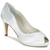 Fericelli  GEXY  women's Court Shoes in White